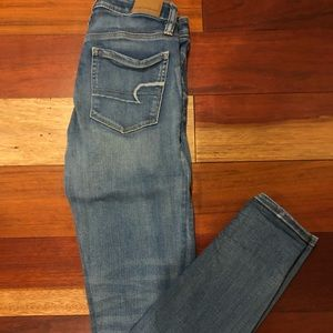 Barely worn AE button fly skinny jeans